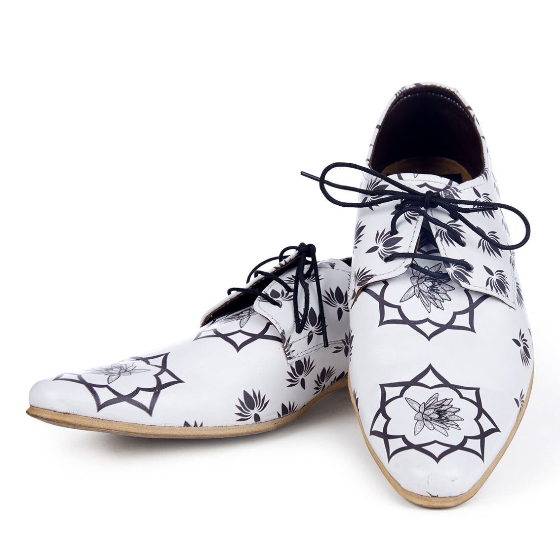 Pat Amboj Handcrafted Printed Shoes